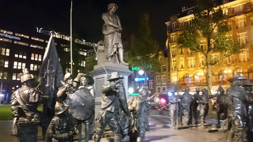 Statue Rembrandt Amsterdam
