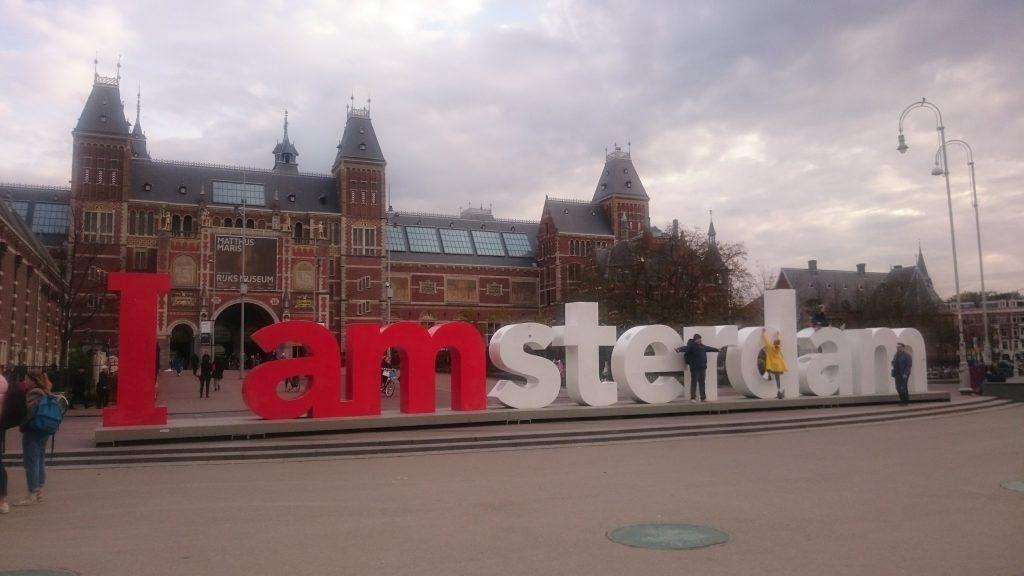 Lettres I Love amsterdam devant rijksMuseum