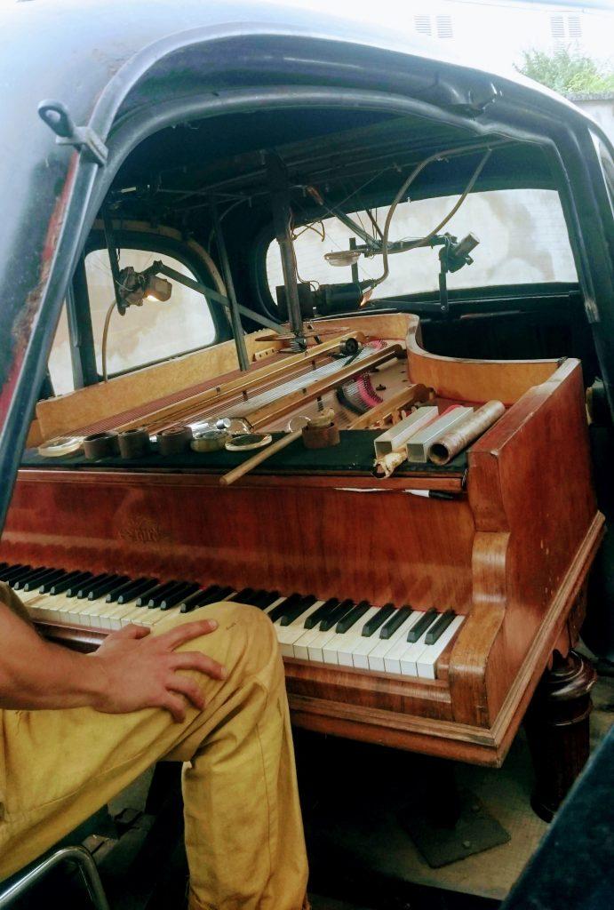 piano voiture delaissee festival renaissances